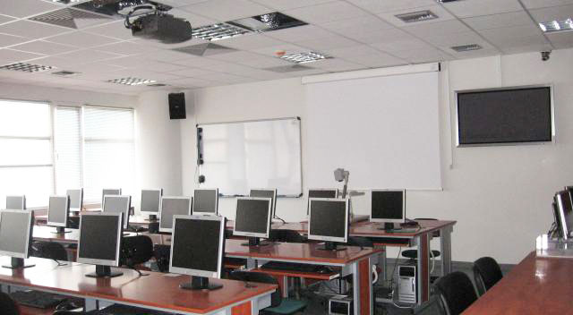 e learning v the classroom E-learning for educators course information classroom management for active wv educators : course description : as educators we learn theories and philosophies about classroom management but seldom learn practical methods for effective management.